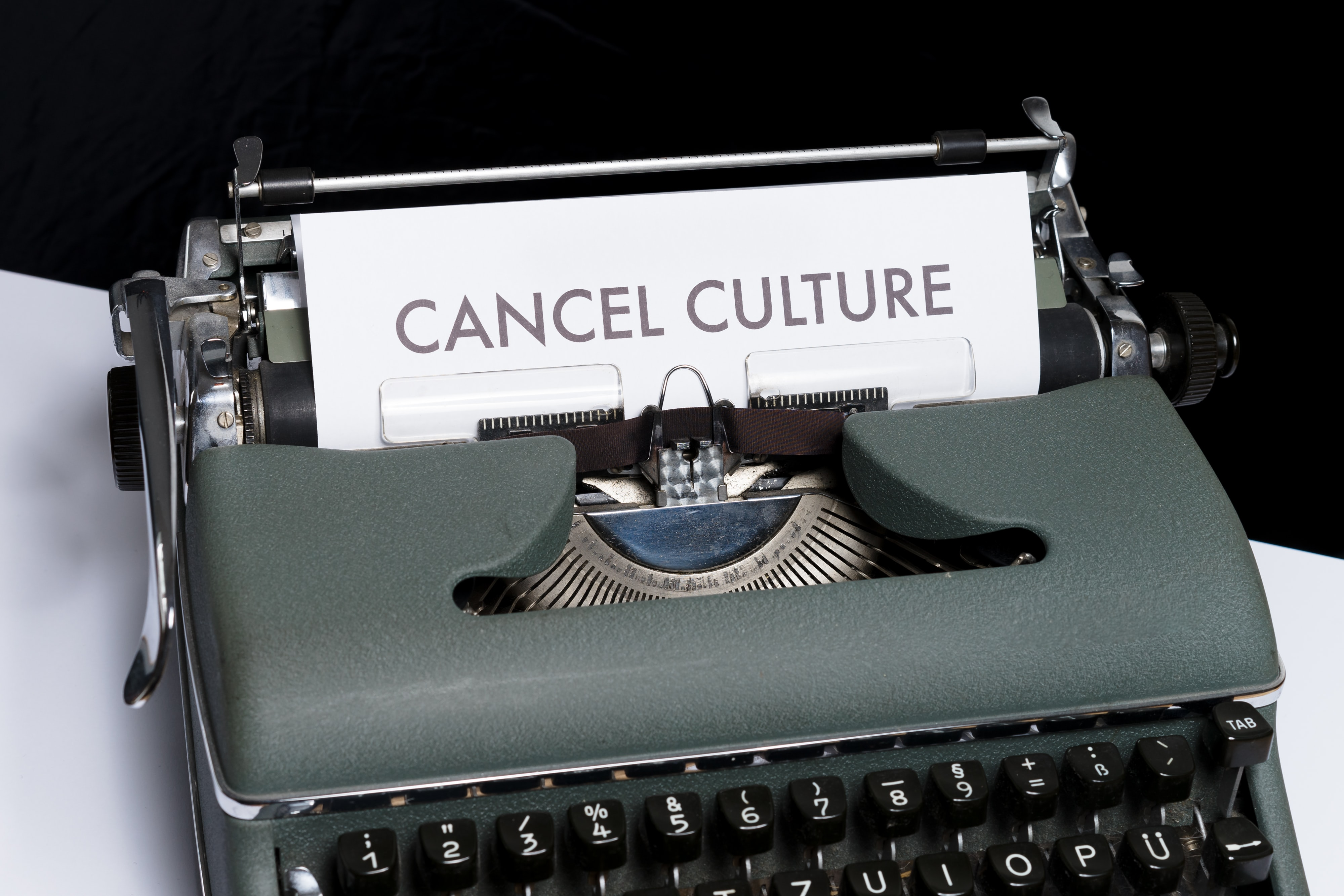 typewriter with text cancel culture